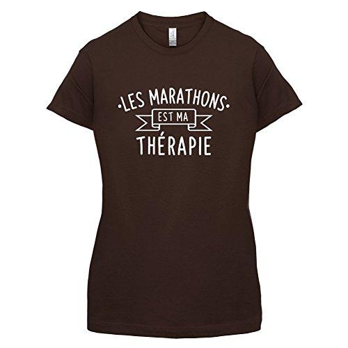 Les marathons sont ma thérapie - Femme T-Shirt - 14 couleur Marron Foncé