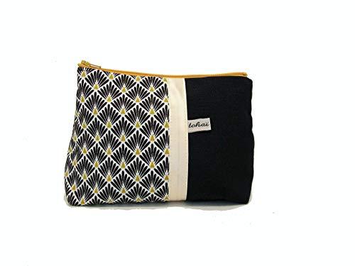 pochette fourre tout noir et blanc a motifs geometriques, trousse maquillage style scandinave, cadeau femme
