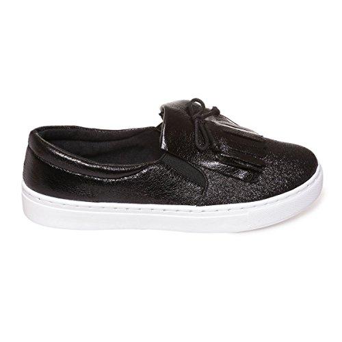 La Modeuse Baskets Slip-Onen Simili Cuir Scintillant doté de Paillettes Sur le Devant de la chaussuresFranges Style Mocassin et Petit Noeud Noir