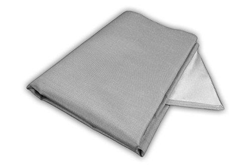 Zettl Bodenschutzdecke bis 550°C, geeignet als feuerfeste Unterlage für Kamin, Grilldecke oder Grillmatte, Original hitzebeständige Bodenschutzmatte Grillschutzmatte, Größe quadratisch ca. 2m x 2m