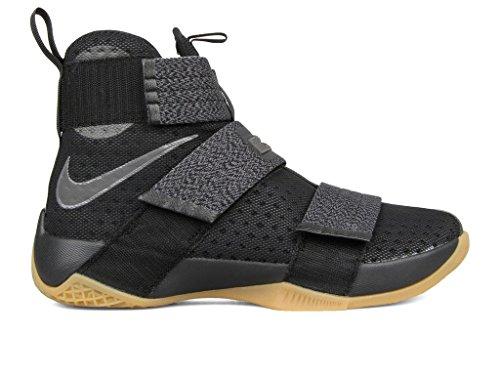 8b8cec66cab5 Nike Men s Lebron Soldier 10 SFG Basketball Shoes