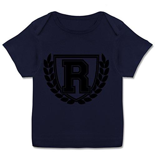 Anfangsbuchstaben Baby - R Collegestyle - 80-86 (18 Monate) - Navy Blau - E110B - Kurzarm Baby-Shirt für Jungen und Mädchen in verschiedenen Farben