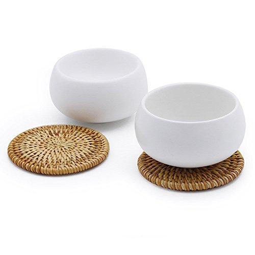 Zens Lifestyle Tasse à The Japonaise, Tasse à Matcha en Porcelaine Japonais, Lot de Tasse à Cafe en Porcelaine Japonais, 2 Tasses à Double paroi avec 2 sous- Verres en rotin, 550ml chacune, Blanc