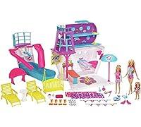 salpare in fantasia con la nave da crociera Barbie set da gioco che viene fornito con Barbie, le sue 2Littlest sorelle e un sacco di accessori per l' avventura in alto mare. Le 3sorelle avranno la vacanza di una vita. La nave si apre per ri...