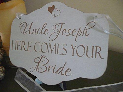 Onkel Hier Kommt Diene Braut, Hochzeits-Schild, Personalisierte, Vintage Holzschild, MITTEL 23 x 28,5 cm (Braut Die Kommt Hier)