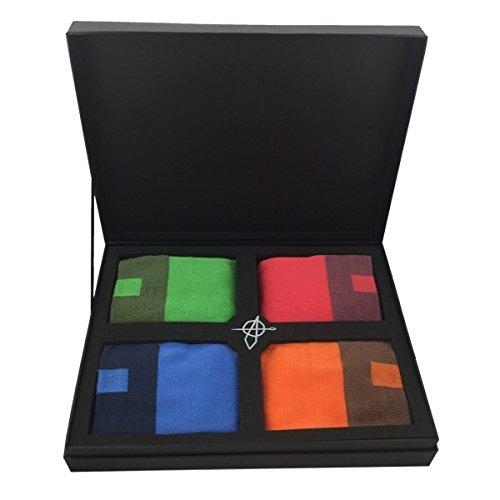 BE DIFFERENT - Calze da uomo premium assortite, in rosso, verde, blu e arancione, in bambù traspirante, in taglia unica e con speciale confezione regalo