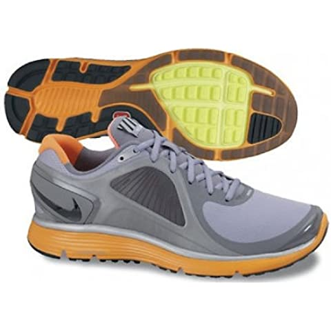 Eclipse lunar Nike + Shield plata