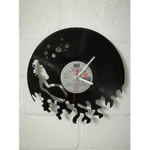 Wanduhr aus Vinyl Schallplattenuhr mit Taucher Motiv upcycling design Uhr Wand-deko vintage-Uhr Wand-Dekoration retro…