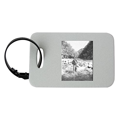 luggage-tag-with-field-and-stream