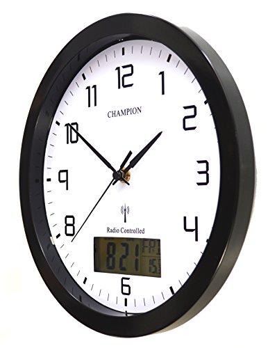 f37486038539e6 Champion, orologio da parete al quarzo con segnale radio, 25 cm, con  fessure per display LCD con giorno e data, colore: nero (lingua italiana  non garantita)