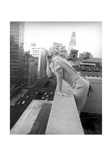 "JUNIQE® Leinwandbild 20x30cm Schwarz & Weiß Marilyn Monroe - Design ""Marilyn Monroe in New York,..."
