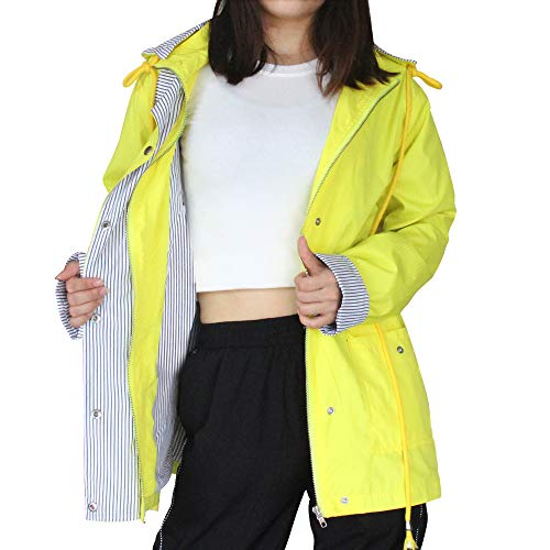 Abrigo impermeable ligero tipo chaqueta de color amarillo
