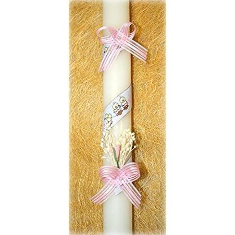 vela de bautizo-40 blanco cinta bebe pollito-Vela de bautizo decorada con una cinta en espiral, dos lazos, elementos florales y dos perlas blancas. La cinta tiene dibujos de pollitos.