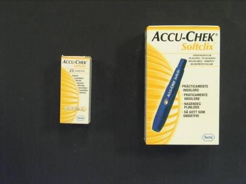 Accu-chek linea controllo glicemia softclix dispositivo pungidito + 25 lancette