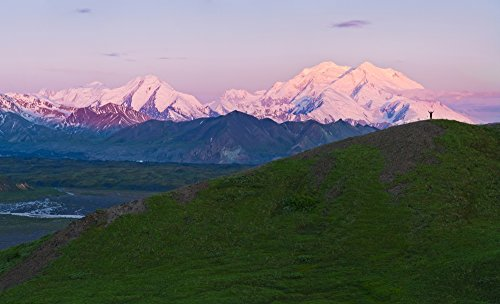 Michael DeYoung / Design Pics - Panoramic View Of Hiker On Grassy Pass Watcing The Sunrise On Thorofare River And Mt. Mckinley Denali National Park & Preserve Interior Alaska Summer Photo Print (101,60 x 60,96 cm) -