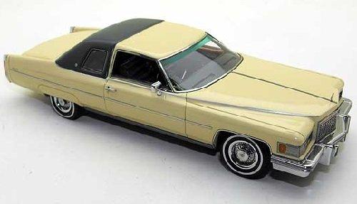 cadillac-coupe-de-ville-1976-beige-dklgrun-143-neo