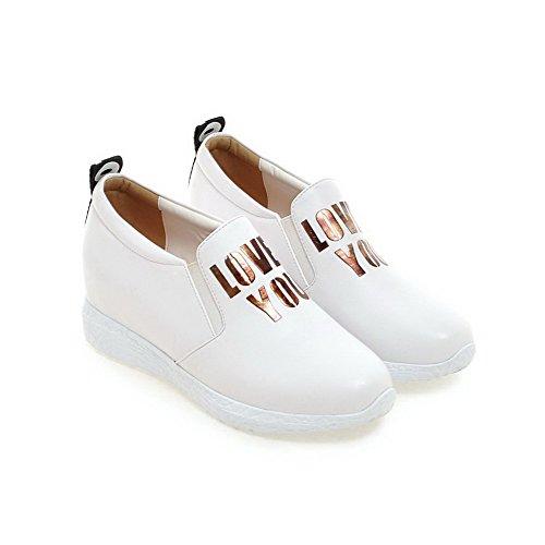VogueZone009 Damen Gemischte Farbe Pu Leder Mittler Absatz Rund Zehe Ziehen Auf Pumps Schuhe Weiß