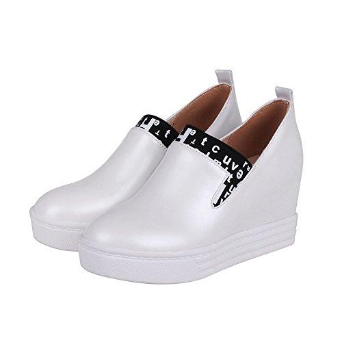 AgooLar Femme Tire Pu Cuir Rond à Talon Haut Couleurs Mélangées Chaussures Légeres Blanc