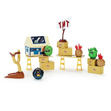angry-birds-attack-on-pig-island-playset-tnt-invasion