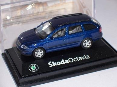 SKODA-OCTAVIA-KOMBI-COMBI-2-II-DYNAMIC-UNI-BLAU-BLUE-171ABD002L-172-ABREX-MODELLAUTO-MODELL-AUTO