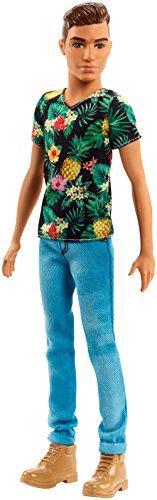 Barbie FJF73 Ken Fashionistas Puppe in Shirt mit Ananas-Print und Boots