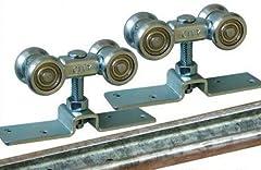 Die Beschläge sind von ausgezeichneter robuster Qualität und bestehen aus galvanisch verzinktem Stahl.  Die Rollen sind mit echten wartungsfreien Kugellagern ausgestattet und laufen somit in den Führungsschienen leichtgängig und geräuscharm.  Der Abs...