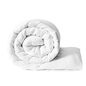 Amazon Brand – Solimo Microfibre Double Comforter – White