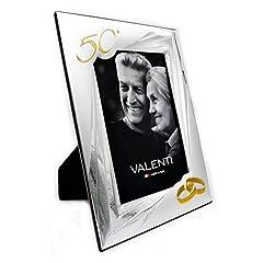 Idea Regalo - Valenti&Co - Cornice Portafoto in Argento cm 13x18. Ideale Come Regalo per Nozze d'oro - 50 Anni di Matrimonio o per Il Cinquantesimo di parenti, Nonni o Mamma e papà.