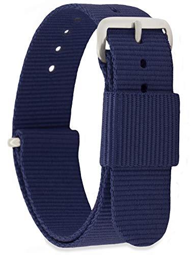 La correade reloj en plateada parahombre y mujer en el diseño NATO ZULU es popular no sólo desde que Daniel Wellington. Antes de Daniel Wellington la correa NATO ZULU fuera inventada por buzos de la marina francesa y los militares británicos se hic...