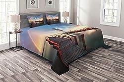 ABAKUHAUS Leuchtturm Tagesdecke Set, Wolken Sonnenuntergang am Meer, Set mit Kissenbezügen luftdurchlässig, für Doppelbetten 220 x 220 cm, Orange Grün Blau