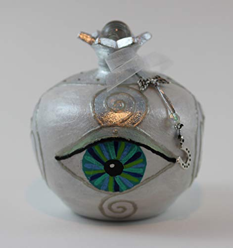 EYE OF HILARION Granatapfel perlmutt weiß silber türkis Auge Mati Keramik Skulptur Glücksbringer Edelstein Energie Raum Dekoration handbemalt Blattmetall versilbert -