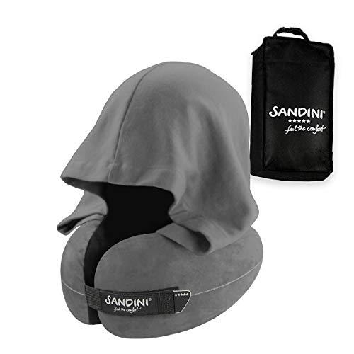 SANDINI TravelFix HOODIE Regular Size - Premium Reisekissen mit Verschluss/ Nackenkissen mit ergonomischer Stützfunktion und integrierter Kapuze - Gratis Transporttasche mit Befestigungs-Clip