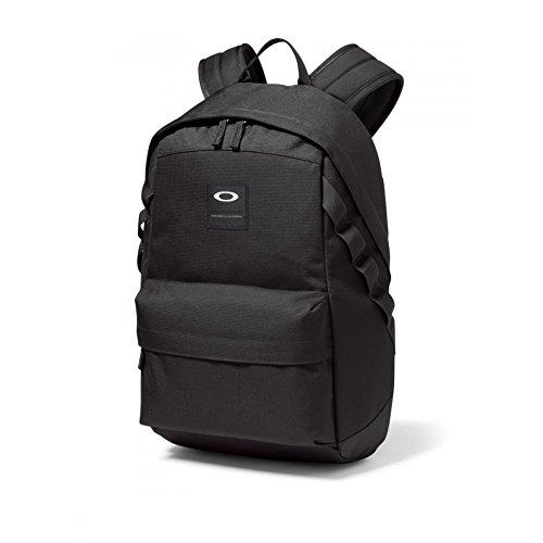 oakley-holbrook-20l-backpack-blackout