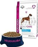 Eukanuba Daily Care - Croquettes Premium pour Chiens Adultes en surpoids ou stérilisés -Toutes Races recommandées par les vétérinaires - 100% Complète et Equilibrée Au Poulet- Sac refermable de 12,5kg