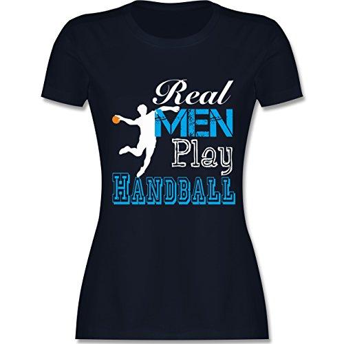 Handball - Real Men Play Handball - tailliertes Premium T-Shirt mit  Rundhalsausschnitt für Damen
