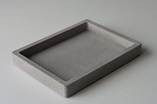 plateau-en-beton-gris-mouchete-rectangulaire