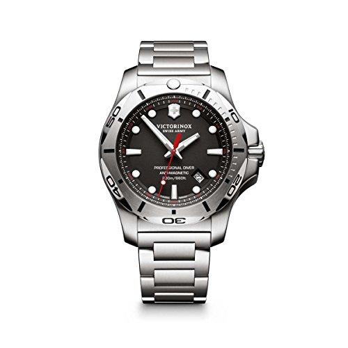 Victorinox Hombre Digital Reloj de Cuarzo con Acero Inoxidable Pulsera 241781