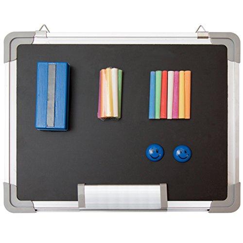 Set de pizarra de tiza - Pequeña pizarra negra 38 x 30 cm + 1 Borrador de tiza magnético, 14 tizas (7 Colores) y 2 Imanes - Mini pizarra de mensajes colgante para escolares