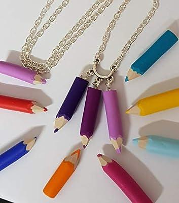collier crayons de couleurs taillés multicolore violet idée cadeau maitresse atsem enfant
