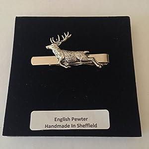 A60Federnde Hirsch English Pewter Emblem auf einem Krawattenklammer (Slide) handgefertigt in Sheffield kommt mit prideindetails Geschenkbox