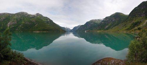 Berlintapete - Wallpaper On Demand - Fototapete - Berge - Panoramen Xxl - Gletschersee In Norwegen Nr. 6395
