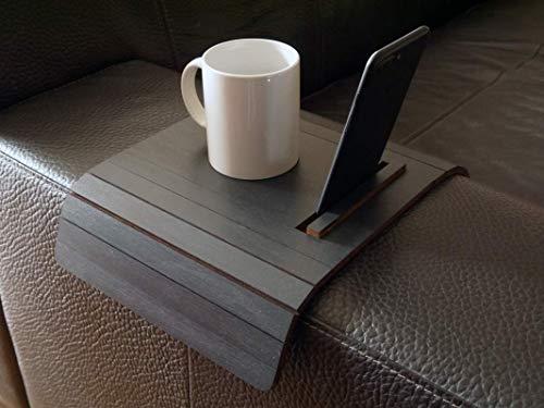 Holz sofa armlehnentisch mit telefon und tablet stehen in vielen farben wie anthrazit Armlehnentablett Moderner tisch für couch Klein schleichendes sofatisch Armlehne flexibel tablett