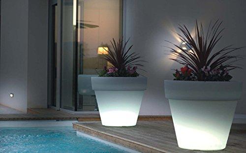 Illuminazione Per Piante Da Giardino : Vaso per fiori e piante led lampada da giardino ad energia solare