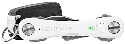 KeySmart Pro Organizzatore di chiavi compatto con luce a LED e tecnologia Tile di localizzazione chiavi e telefono tramite GPS (2-10 chiavi), Bianco