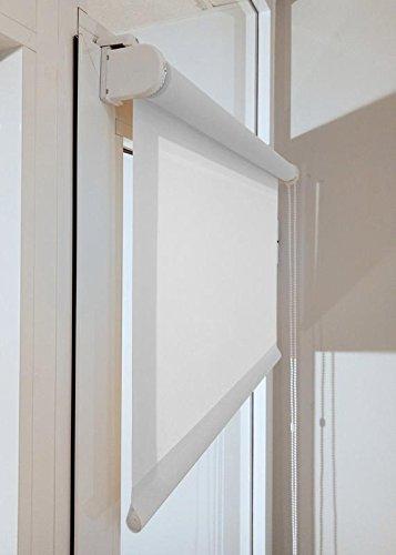Estor enrollable a medida TRANSLÚCIDO PREMIUM con fijación SIN PERFORAR a ventana abatible o puerta (permite paso de luz, no permite ver el exterior/interior). Color blanco. Medida 96cm x 120cm para ventanas abatibles y puertas.