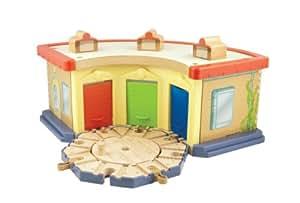 Tomy Chuggington - LC56817 - Circuit de Trains Miniatures et Rails - Rotonde des Stagiaires