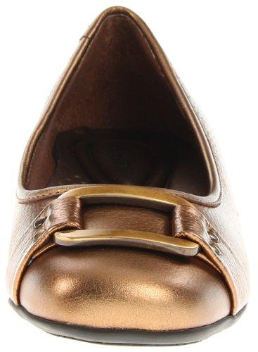 Trotters Women's Sizzle Signature Ballet Flat,Metallic Bronze,6 WW US Bronze