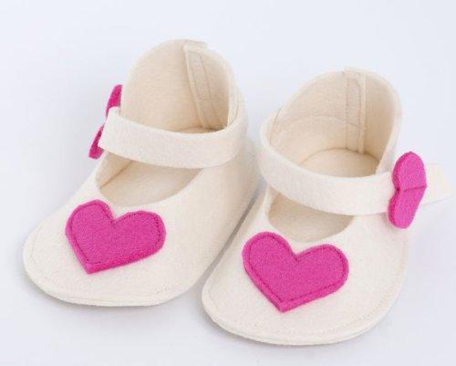 Fait à la main Superbe Chaussures pour bébé en laine de haute qualité Pink Hearts in a Duet