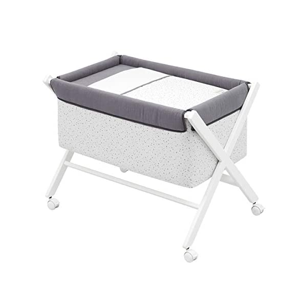 Cambrass Small Bed x Wood Une Cambrass Wooden structure in white wood Suitable for the baby's first months 4 wheels: easy to move around the house 5