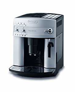 De'Longhi Magnifica ESAM 3200.S Kaffeevollautomat (Bedienfeld mit Direktwahltasten, Milchaufschäumdüse, Kegelmahlwerk 13 Stufen, Herausnehmbare Brühgruppe, 2-Tassen-Funktion) silber